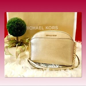 Michael Kors Emmy Medium Crossbody Pale Gold.